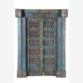 Holzgeschnitzte blaue Tür mit massivem Rahmen
