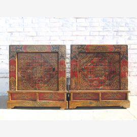 Mongolei Tibet zwei bunte Nachttische Kommoden Paar großartig bemalt vintage Massivholz