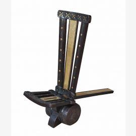 Sehr schöner traditioneller Stuhl aus Indien