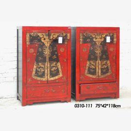 doppeltes Massivholzschränkchen, rot aufwendige Gestaltung