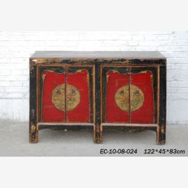 Chinesisches robustes Sideboard in traditionellem Farbkonzept.