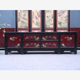 Chinesischer Schrank aus natürlichem Holz mit traditioneller Bemalung