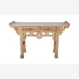 Echtholztisch aus China mit aufwendigen Details verziert.