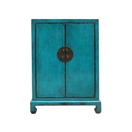 Hochwertiger Schrank aus China in starkem Blau.